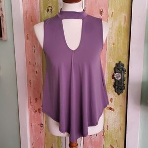 Top fashion of New York aubergine sleeveless top